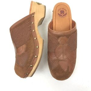 Lucky Brand Hippie Wood Clogs, Peace Sign, a 9
